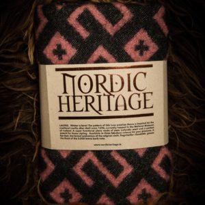100% Icelandic Wool. Thick and dense. Heritage pattern.